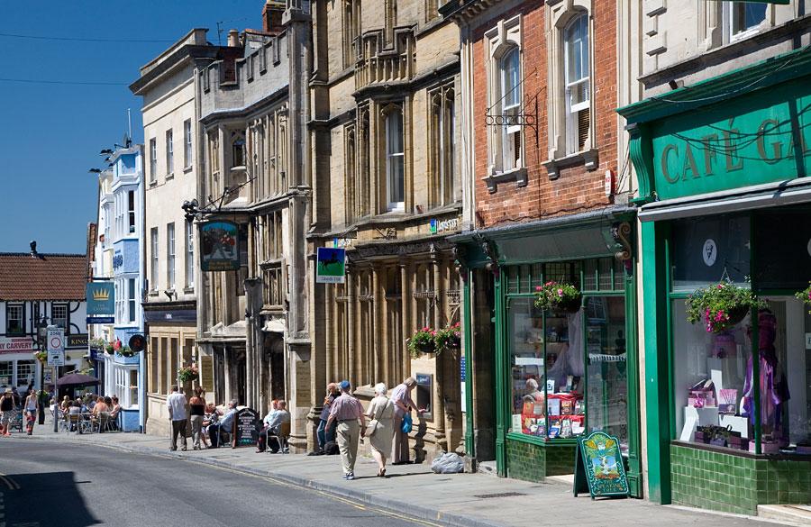 Glastonbury Highstreet Somerset Guide Photos